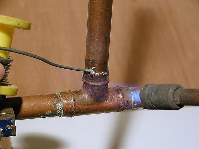 תיקון צנרת מים